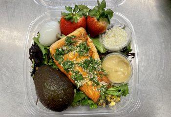 Garlic & Herbs Salmon XXL Salad